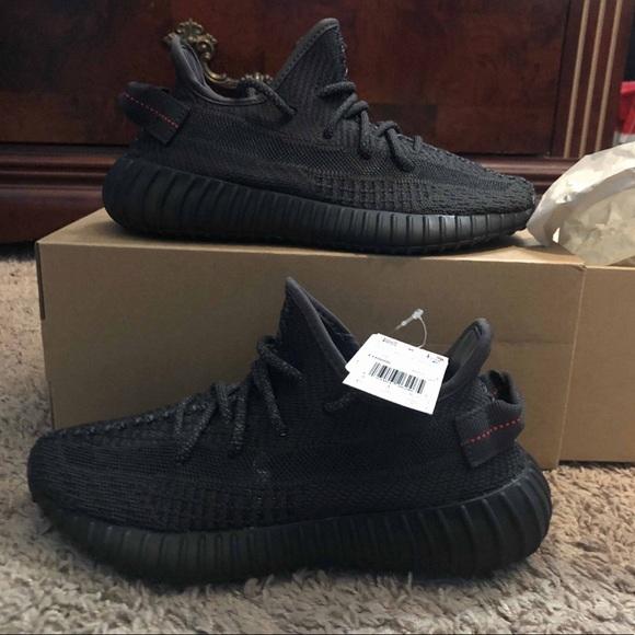 triple black yeezy 35 v2